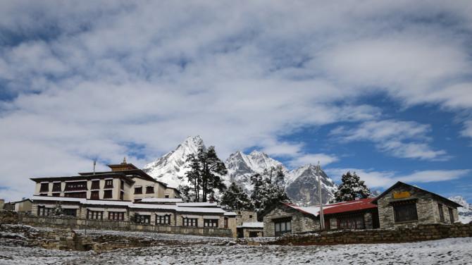 ネパール タンボチェ 宿