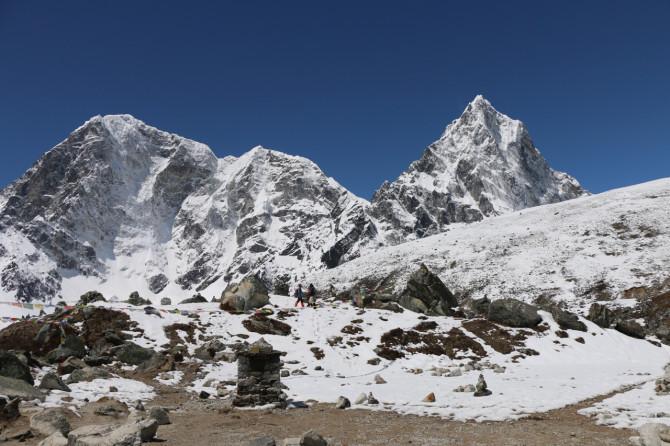 ネパール ペリチェ 山③