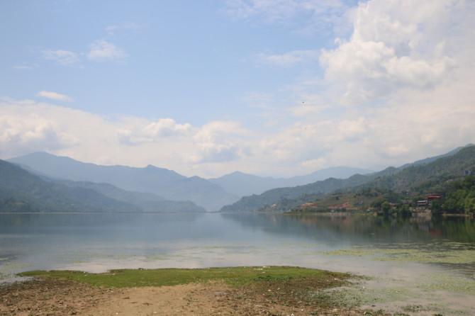 ネパール ポカラ フェア湖