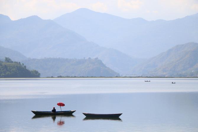 ネパール ポカラ ボート