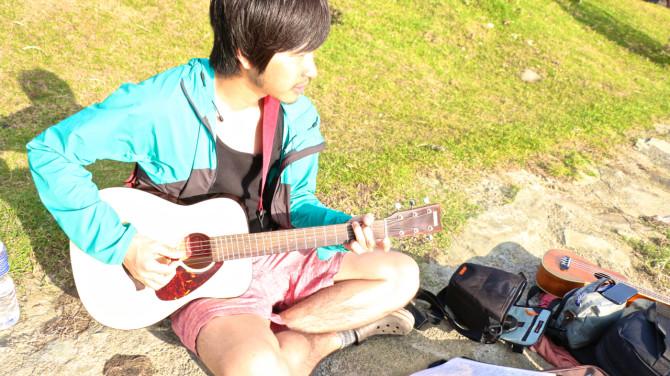 ネパール ポカラ ギター