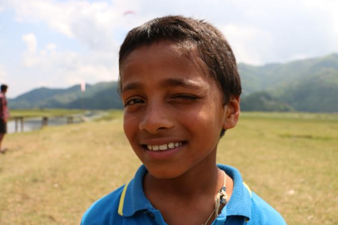 ネパール ポカラ 少年①