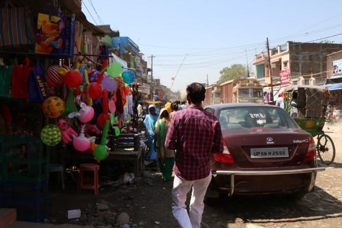 インド スノウリ 道