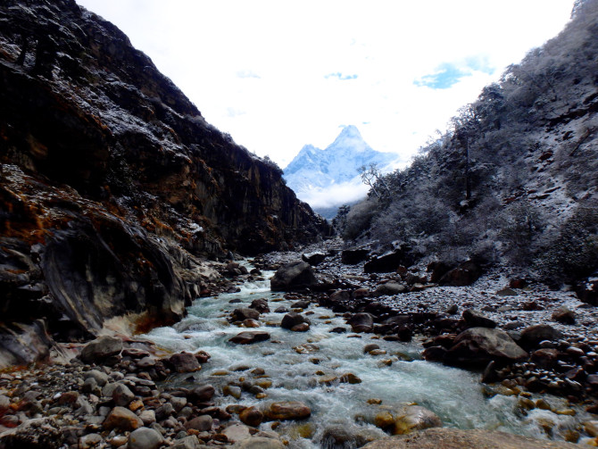 ネパール タンボチェ 川③