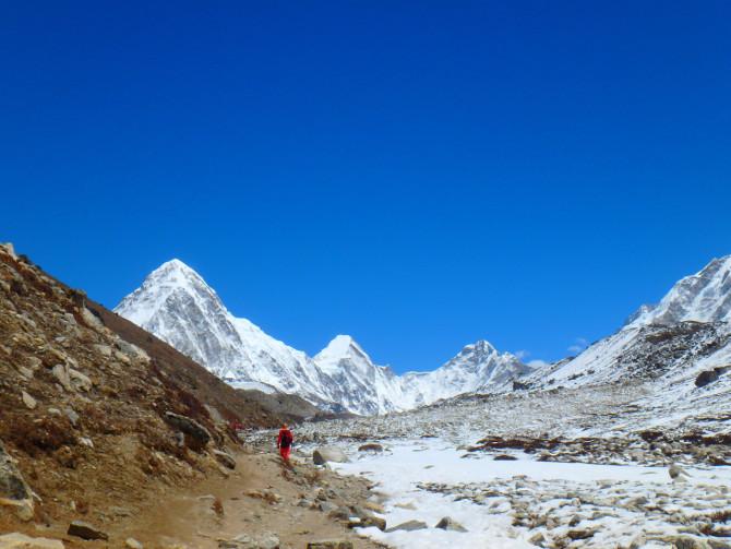 ネパール ペリチェ 道①