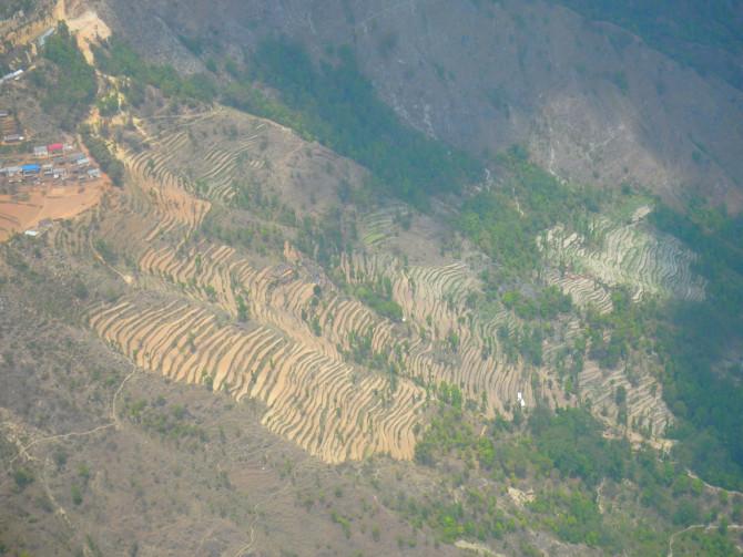 ネパール ルクラ 地上