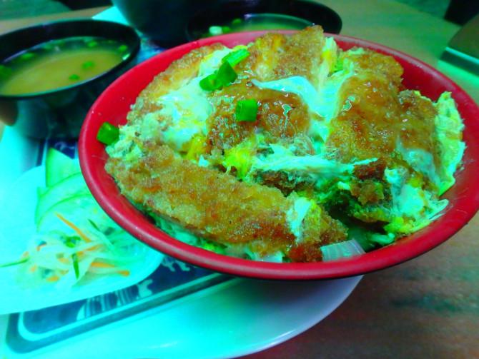 ネパール カトマンズ カツ丼