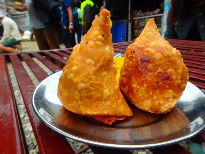 ネパール カトマンズ サモサ