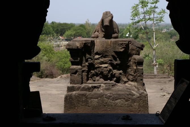 インド アウランガーバード エローラ(21窟ナンディ像)