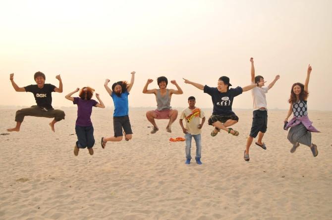 インド バラナシ ジャンプ