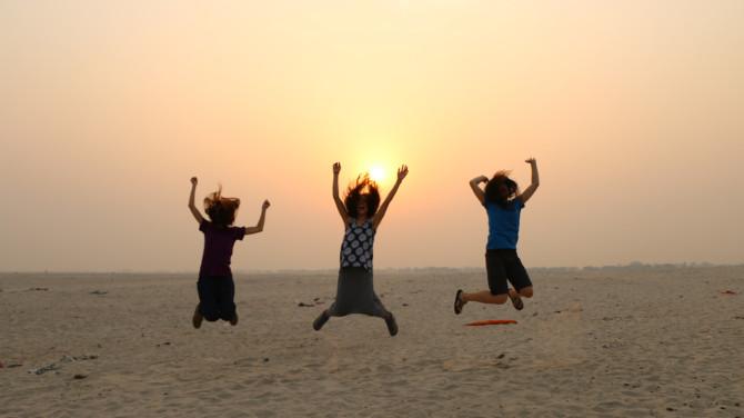 インド バラナシ 女子3人