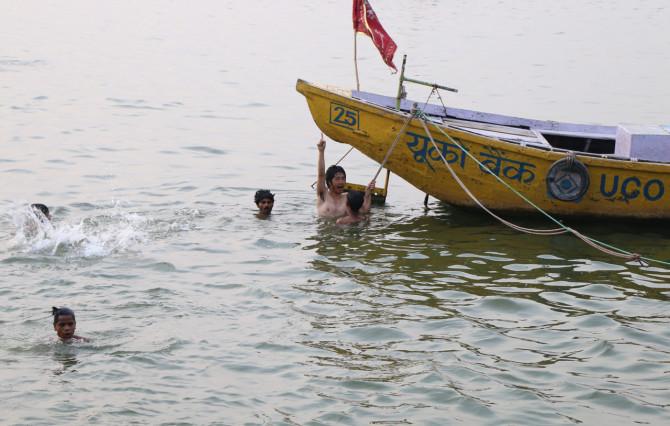 インド バラナシ ボート