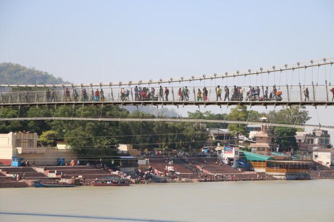 インド リシケシュ 橋③