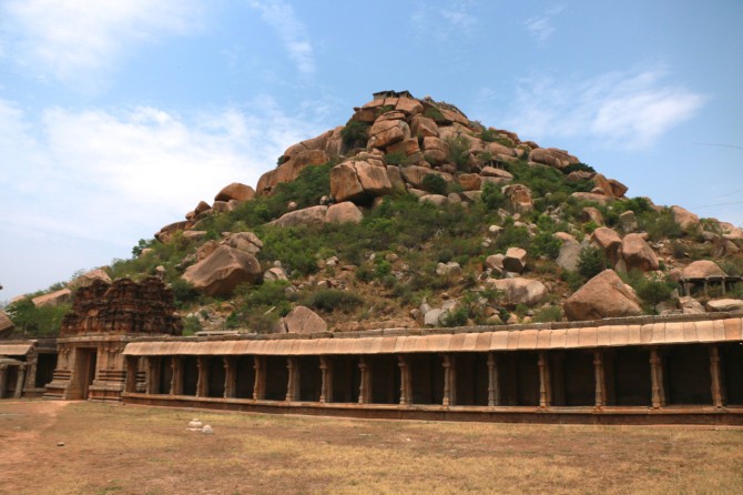 インド ハンピ マータンガ丘