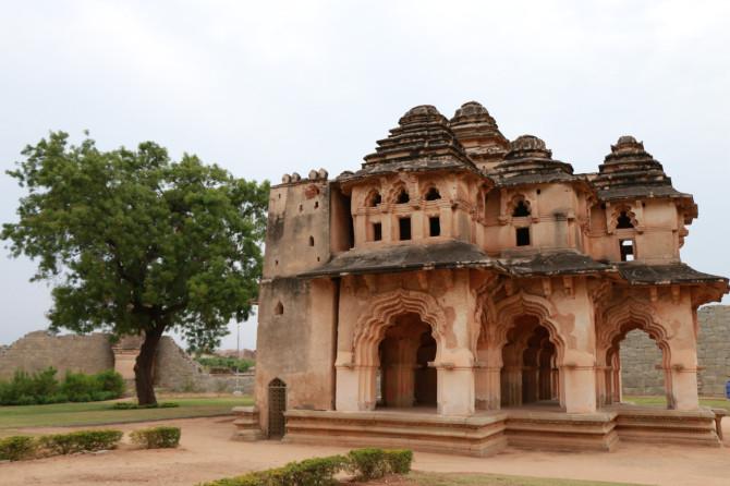 インド ハンピ ロータスマハル