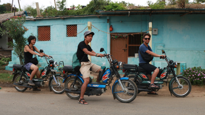 インド ハンピ バイク