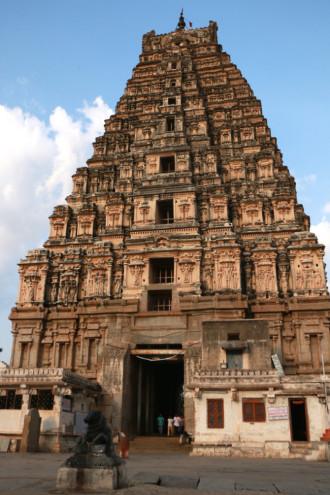 インド ハンピ ヴィルーパークシャ寺院①