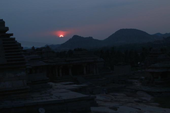 インド ハンピ 夕焼け