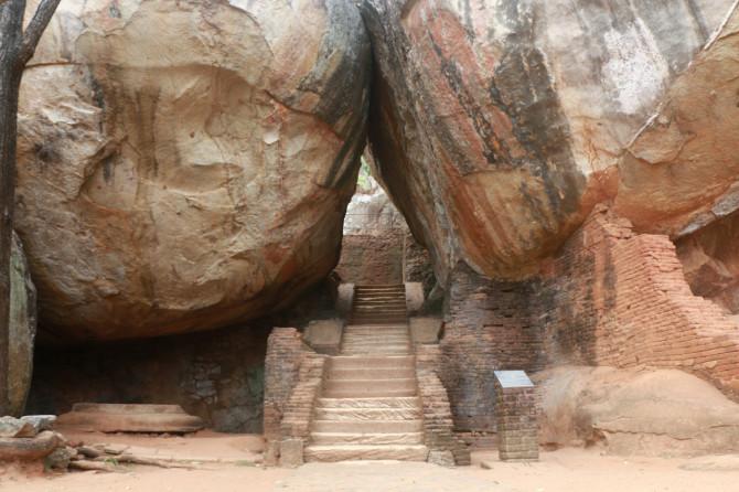 スリランカ シーギリヤ 巨石