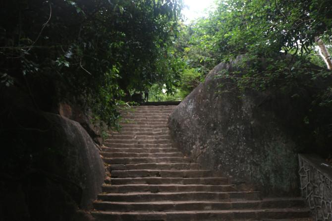スリランカ ダンブッラ 階段