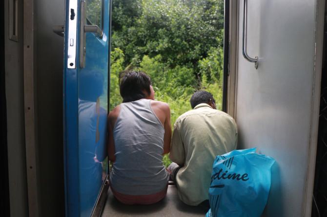 スリランカ キャンディ 電車⑥