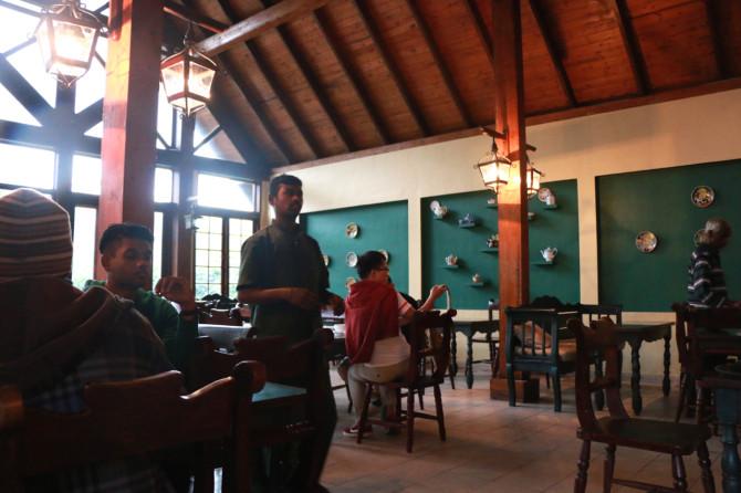 スリランカ キャンディ 紅茶工場⑥