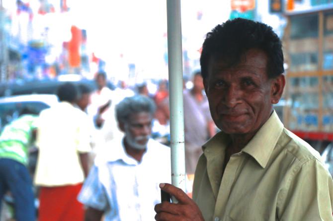 スリランカ ラトゥナプラ おじさん