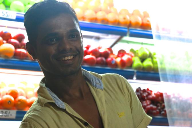 スリランカ ラトゥナプラ フルーツ屋