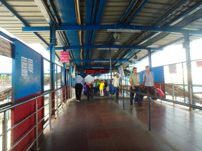 インド デリー ニューデリー駅