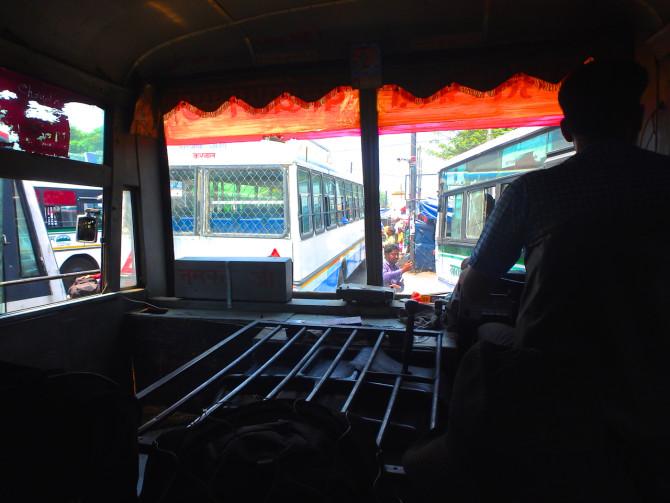 インド リシケシュ バス