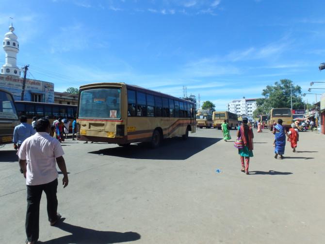 インド マドゥライ バス停①