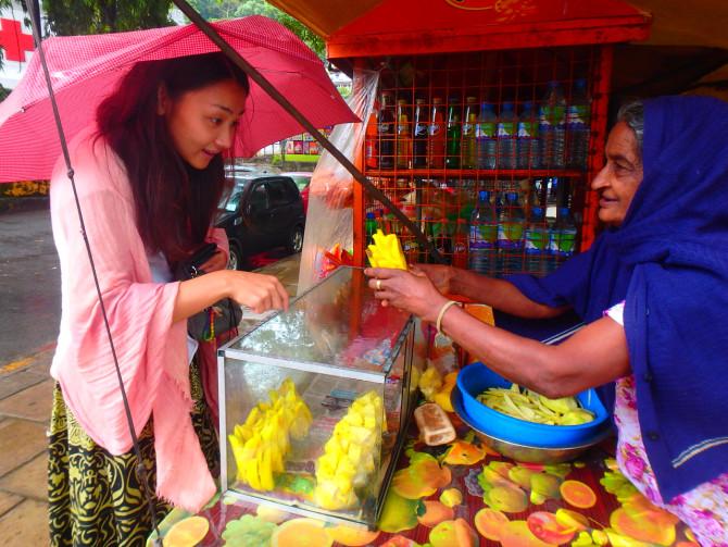 スリランカ キャンディ パイナップル