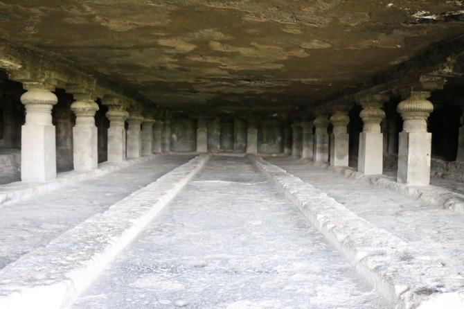 インド アウランガーバード エローラ(5窟)