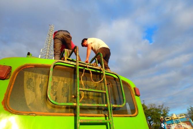 コンソからヤベロ・モヤレ行きのバス