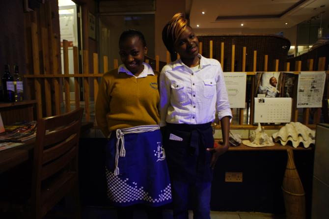 ナイロビの日本食居酒屋チャカのカウンター