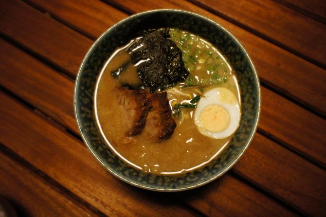 ナイロビの日本食居酒屋チャカで食べたラーメン