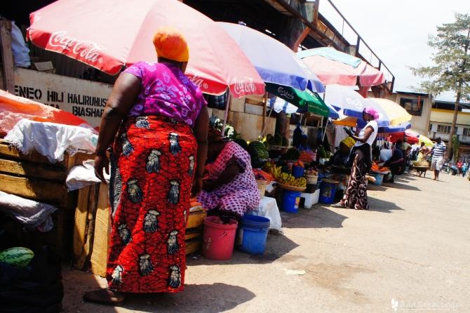 タンザニアの伝統衣装カンガ