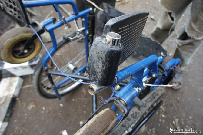 ゴンダール 車椅子 修理