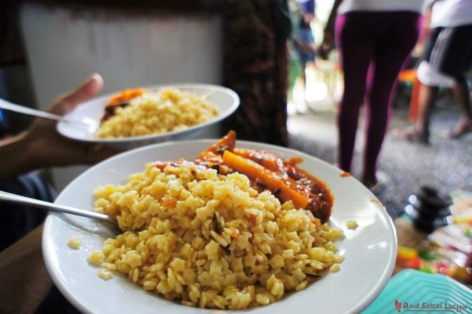 ダナキル オロミア村 昼食