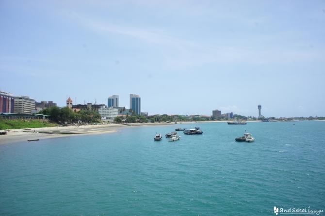 ダルエスサラームからザンジバル島にフェリーで移動