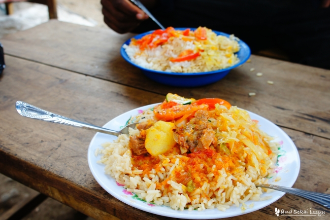 タンザニアのモシのご飯(ピラウ)