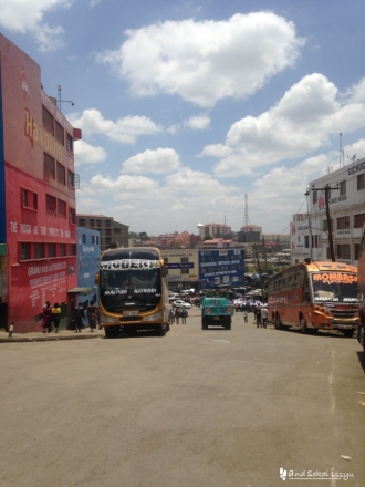 ナイロビの下町的な街並み