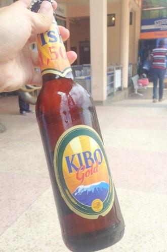 タンザニアのビール「キボ」