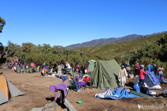 キリマンジャロ登山でテント泊