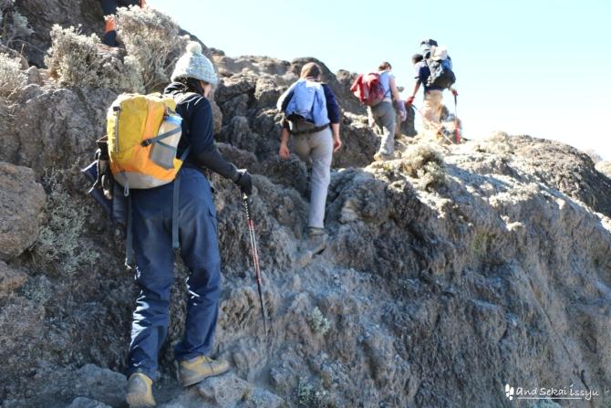 キリマンジャロ登山4日目カランガキャンプに向けて出発