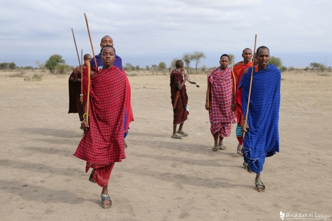 マサイ族の村の歓迎ダンス