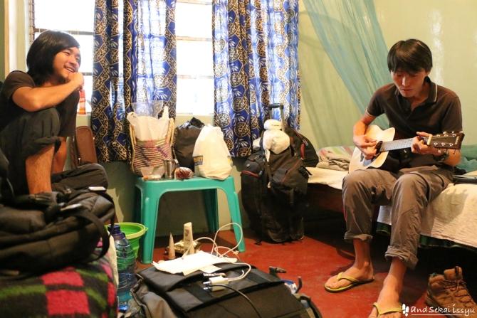 ナイロビでだいきさんとギター