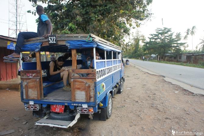 ザンジバル島のバス