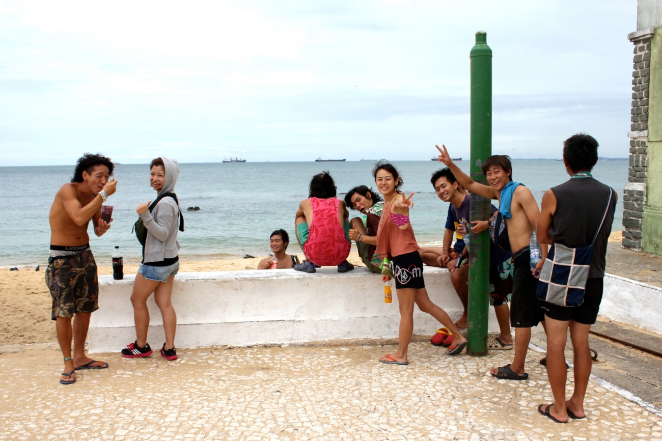 カーニバルに向けた海遊び