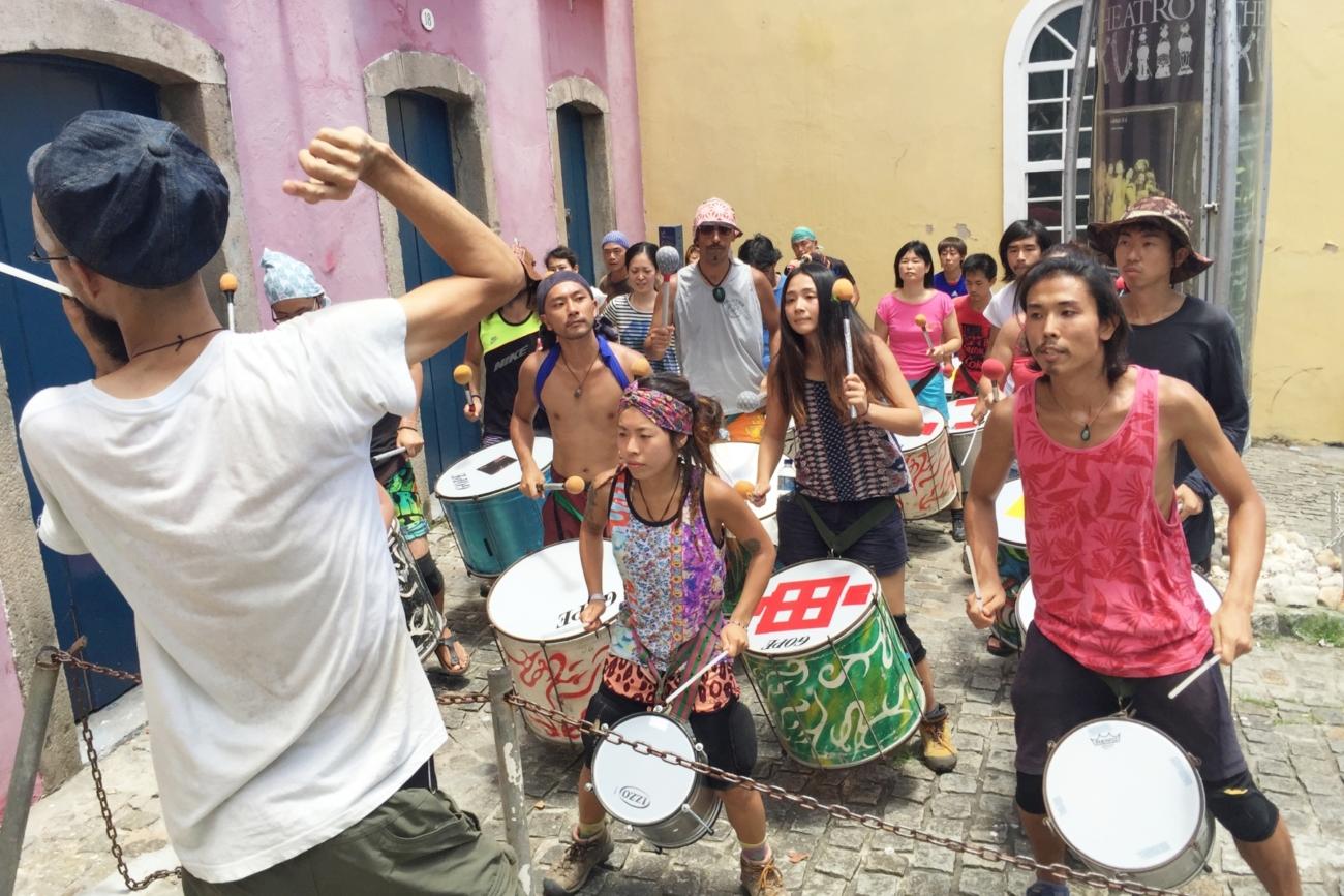 カーニバルに向けた太鼓の公開練習